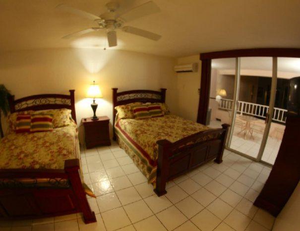 Double Queen Room 2